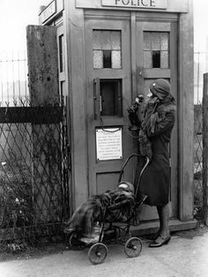 A woman uses an Emergency Police Call Box in London, (Photo by Fox Photos/Getty Images) Police Sign, Police Call, Police Box, Police Quotes, London Photography, Vintage Photography, Old Photos, Vintage Photos, Emergency Call