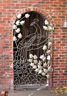 peacock gate - This would be wonderful as a thread sketched art quilt! Soo cool, okay, maybe not my front door but still. Door Knockers, Door Knobs, Door Gate, Unique Doors, Iron Gates, Iron Garden Gates, Metal Gates, Wooden Gates, Iron Work
