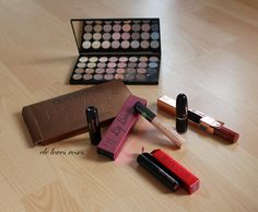 Makeup Revolution, Swatch, Cube, Usb Flash Drive, Palette, Make Up, Beauty, Palette Table, Makeup