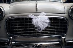 l'auto della sposa. matrimonio in Umbria. Italy wedding