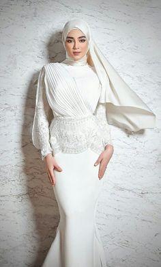 Muslim Wedding Gown, Malay Wedding Dress, Muslimah Wedding Dress, Hijab Wedding Dresses, Modest Wedding Gowns, Dream Wedding Dresses, Bridal Dresses, Bridesmaid Dresses, Dress Muslimah