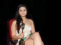 Alia Bhatt Pics of Award Ceremony