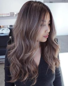 Mushroom Brown Hair: A Hot New Trend You'll Fall In Love With - Ashy Light Brunette Balayage - Brown Balayage, Balayage Brunette, Hair Color Balayage, Hair Highlights, Ombre Hair, Caramel Balayage, Warm Brown Hair, Light Brown Hair, Brown Hair Colors