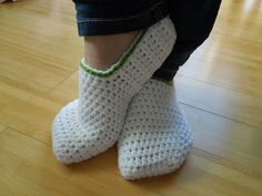 Happy Berry Crochet: How To - Crochet Simple Adult Slippers for Men or Women