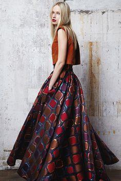 Talbot Runhof Fall 2014 Ready-to-Wear Collection Photos - Vogue Fashion Week Paris, Live Fashion, Runway Fashion, Fashion Show, Fashion Design, Moda Formal, 2015 Fashion Trends, Winter Mode, Lauren
