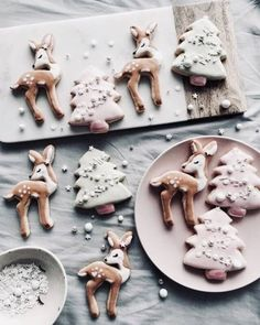If you haven't had a Christmas cookie decorating party, you are missing out on one fun holiday event. Get inspired with these creative Christmas cookies (and some cakes, too! Pink Christmas Decorations, Christmas Desserts, Christmas Treats, Christmas Baking, Christmas Cookies, Reindeer Cookies, Tree Cookies, Christmas Mood, Merry Little Christmas