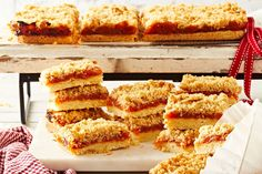 Apricot and Coconut Crumble Slice Recipe Square Cake Pans, Square Cakes, Baking Recipes, Cake Recipes, Snack Recipes, Custard Slice, Vanilla Custard, Vanilla Cake, Coconut Slice