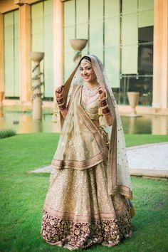 Real Indian Brides Who Wore An All-Gold Outfit At Their Wedding Day Echte indische Bräute, die an ih Designer Bridal Lehenga, Bridal Lehenga Choli, Lehenga Wedding, Punjabi Wedding, Saree, Ghagra Choli, Gold Outfit, Indian Lehenga, Lehenga Designs
