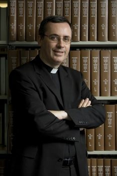 Father Andrew Pinsent is Research Director of the Ian Ramsey Centre for Science and Religion at University of Oxford.