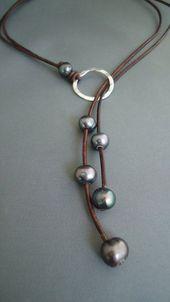 Cuero y perlas negras martillado plata esterlina lariat