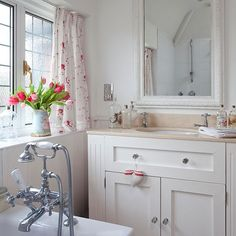 Country style vanity units for bathroom