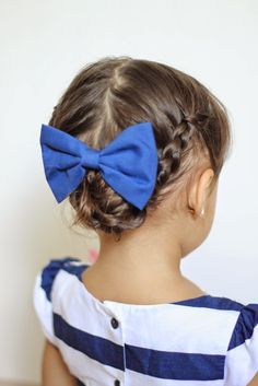 16 Toddler hair styles to mix up the pony tail and simple braids. dutch braids, french braid, side pony tail, braided pony, messy bun, side braid into a bun, anna inspired braid, dutch rose, frozen inspired hair.