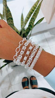 ✨Pulseras en acero blanco, opciones para todos los gustos. Unos puntos preciosos que combinan con cualquier estilo. 🤩🌈 Cuff Bracelets, Instagram, Jewelry, Steel, White People, Bangle Bracelets, Dots, Style, Jewlery
