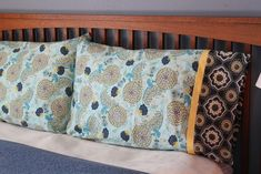 A tutorial for a very quick to sew but elegant pillowcase. #pillow #sewing #tutorial
