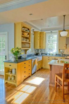Yellow kitchen Wood - Country Kitchen Design Pictures and Decorating Ideas. Küchen Design, Design Case, House Design, Interior Design, Design Color, Modern Interior, Design Trends, Modern Design, Yellow Kitchen Designs