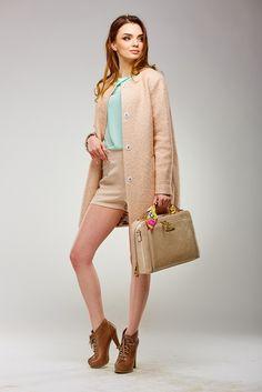 Весняне жіноче пальто бежевого кольору від Pink c74d30331b2de