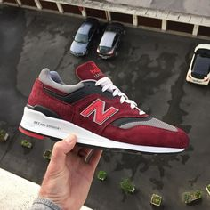 """New balance 997 """"CRG"""" i think my favourite gr this year ! Perfect colorway  Thanks my friend for your assist on this for me  @n1x0n_91 and for the boss @bosskalapao and thanks @end_clothing for this good Price !  #teamnb #997 #newbalance997 #gr #newbalancegallery #thosenbs #nbgallery #newbalancemurah #klekttakeover #runnersclubuk #therealblacklist #44runners #sneakersmag #sneakerplaats #hichemog #tijoojit #joyaparis #runnergang #snkrhds #sneakerfreakerofficial #sneakersaddict #g1runners…"""