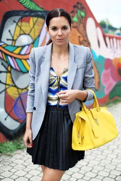 fashion blogger irene colzi converse look ysl bag gray blazer pleated skirt