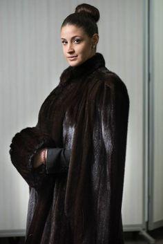 #vintage #fur #mink #furcoat #winter #fashion #nyc #ritz #ritzfur #holidays #christmas