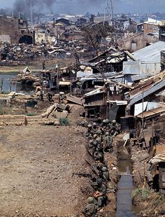 U.S. troops in a slum in Saigon during the Tet offensive, Feb 1968. ~ Vietnam War