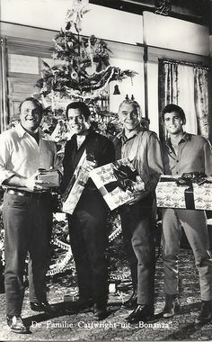 Dan Blocker, Perrell Roberts,  Lorne Greene, & Michael Landon (Bonanza, Cartwright family)