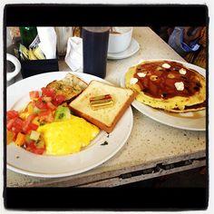 #Eggs vs. #Pancakes – which do you prefer? #breakfast #brunch