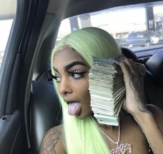 Find images and videos about green, money and cash on We Heart It - the app to get lost in what you love. Badass Aesthetic, Boujee Aesthetic, Black Girl Aesthetic, Fille Gangsta, Thug Girl, Bali Baby, Money On My Mind, Hood Girls, Gangster Girl