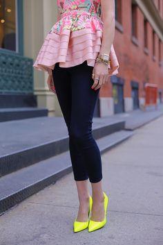 Peplum y Neon Tendencias 2013 Mode Chic, Mode Style, Style Me, Neon Style, Look Fashion, Womens Fashion, Fashion Trends, Fashion Ideas, Fashion Pics