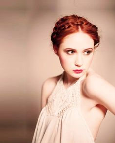 Karen Gillan- She's a ginger that travels with the Doctor.  What's NOT TO LOVE!?!?!