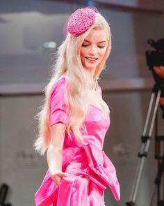 Anya Taylor Joy, Dior Haute Couture, Art School, Film Festival, Harajuku, People, Venice, Style, Fashion