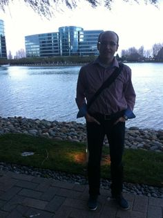Klaus in front of the impressive headquater of Oracle March 6, Product Launch, San