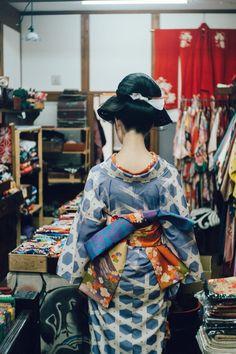 Japanese Geisha, Japanese Kimono, Japanese Girl, Modern Kimono, Kimono Design, Japanese Costume, Japanese Outfits, Yukata, Japan Fashion