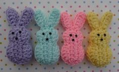 Must try this and the pattern is free!  Crocheted Peeps