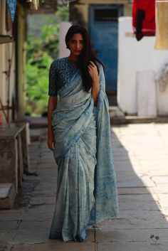 Indigo HBP Khadi Cotton Saree with linen high neck blouse Saree Blouse Patterns, Saree Blouse Designs, Saree Jackets, Sari Dress, Sari Blouse, Simple Sarees, Casual Saree, Formal Saree, Saree Look