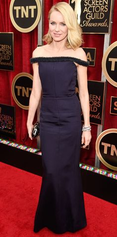 SAG 2015 Red Carpet Arrivals - Naomi Watts in Balenciaga and Bulgari bracelet.