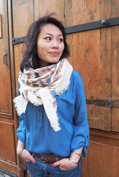 Foulard Mademoiselle JEANNE, blouse Scarlet Roos