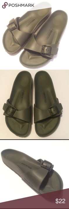 Birkenstock Madrid EVA Khaki Size 41 Our classic one-strap sandal, now available in a no-fuss, waterproof EVA. Super lightweight - great for the gym or the beach. Made in Germany EVA one piece molded construction – a waterproof and lightweight synthetic material Contoured EVA footbed features moderate arch support, a deep heel cup and roomy toe box Lightweight EVA sole for cushioning and shock absorption Avoid extreme heat Worn a few times. They are just too big for me. Great shape. Unisex…