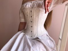 Corset Vintage, Victorian Corset, Victorian Fashion, Vestidos Vintage, Vintage Dresses, Nice Dresses, Motifs Roses, Outfit Look, Look Fashion