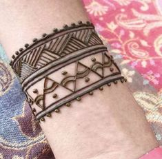 Ideas Tattoo Ankle Band Henna Designs For 2019 Henna Designs Arm, Indian Henna Designs, Henna Tattoo Designs Simple, Beautiful Henna Designs, Cool Henna, Mehndi Tattoo, Arte Mehndi, Henna Men, Tiger Tattoo