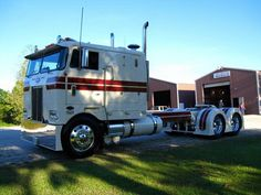 Gbats Bailey 2015 Custom Peterbilt COE