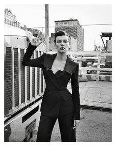 Milla Jovovich en Jean Paul Gaultier photographiée par Inez & Vinoodh pour la série du numéro de février 2013 de Vogue Paris