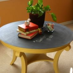 Love anything chalkboard!!  CUTE TABLE!