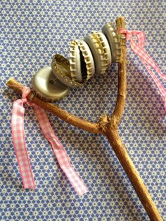 Nun sind wir Nordlichter ja nicht gerade als Karnevalskracher bekannt, aber gefe… Now we Northern Lights are not exactly known as carnival crashes, but we also celebrated. Especially nice: on the supervised spa … Kids Crafts, Projects For Kids, Diy For Kids, Diy And Crafts, Craft Projects, Arts And Crafts, Toddler Art Projects, Instrument Craft, Musical Instruments