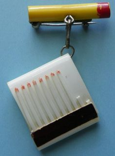 BAKELITE CIGARETTE PIN WITH  CELLULOID MATCHBOOK & MATCHES - VINTAGE
