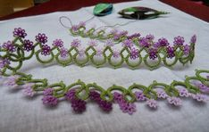 "Vintage flower edging that is no longer under copyright. Pinned from a safe blog for tatting named ""Le Blog de Frivole"" #tatting"