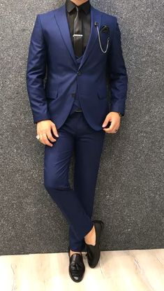Collection: Spring – Summer 2019 Product: Slim-Fit Wool Suit Color Code: Sax Size: Suit Material: wool, polyester Machine Washable: No Fitting: Slim-fit Package Include: Jacket, Vest, Pants Only Gifts: Shirt, Chain and Neck Tie Indian Men Fashion, Mens Boots Fashion, Mens Fashion Suits, Mens Suits Style, Blazer Outfits Men, Stylish Mens Outfits, Blue Blazer Outfit Men, Blue Suit Men, Man Suit