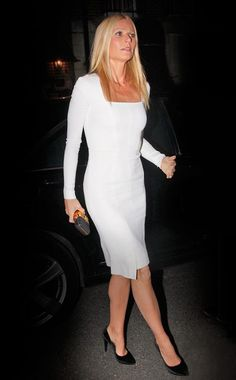 Gwyneth Paltrow looks absolutely stunning in this form fitting Tom Ford long sleeved design. People's best dressed woman lives up to her name at a Barack Obama fundraiser