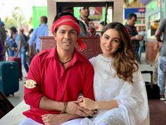 Do they look cute together? Bollywood Dress, Bollywood Stars, Bollywood Fashion, Indian Boy, Kiara Advani, Sara Ali Khan, Varun Dhawan, Beautiful Bollywood Actress, Movie Photo