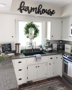 home decor kitchen - Farmhouse kitchen style will be perfect idea if you want to have family gathering in your kitchen during meal time. There are a lot of ideas in decora. Kitchen Cabinets Decor, Cabinet Decor, Kitchen Redo, Home Decor Kitchen, Kitchen Furniture, New Kitchen, Kitchen Window Decor, Kitchen Tables, Kitchen Hacks