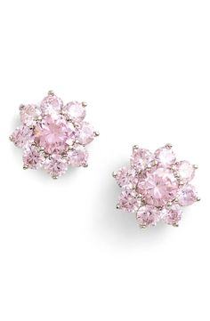 These sparkly pale pink flower stud earrings are perfect for spring! Wearing them with everything this season.